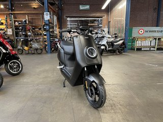 NIU e-scooter