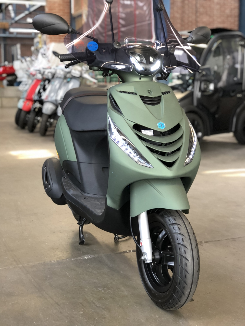 Custom Piaggio Zip Sp Matgroen 25kmu