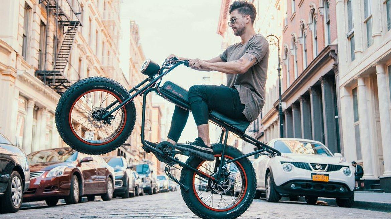 Check nu waarom Will Smith, Jamie Foxx en Casey Neistat deze bike zo dope vinden.