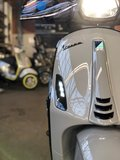 Custom Vespa Sprint Nardo Grey voor