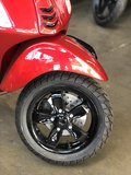 Custom Vespa Primavera Candy Red voorvelg