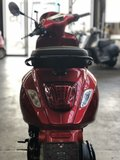 Custom Vespa Primavera Candy Red knipperlicht