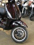 Custom Vespa Sprint Guerra D'Arte voorkant