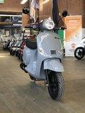 Santini Capri 2.0 Nardo Grey scooter voorkant