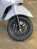 Santini Capri 2.0 Nardo Grey scooter wielen