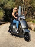 Santini Capri scooter Meteor Grey rechtsvoor