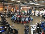 Showroom vol met elektrische scooters