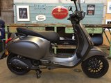 Vespa Sprint Frozen Dark Grey_