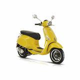 Vespa Sprint Scooter E5 Geel Rechtsvoor