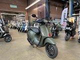 Vespa Sprint Scooter Opaco Militaire Verde Rechtsvoor