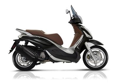 Piaggio Beverly 350 Nero Lucido ABS/ASR Matzwart
