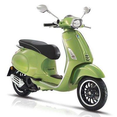 Vespa Sprint Verde met Groen E4 I-GET scooter
