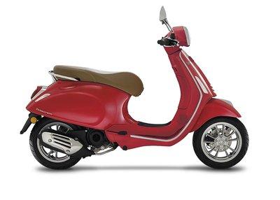 Vespa Primavera 125 Rosso dragon Rood ABS