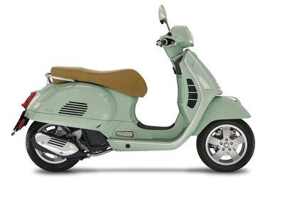 Vespa GTS 125 scooter Verde Relax E4