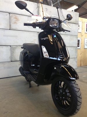Vespa Sprint Black Edition