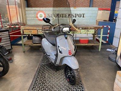 Vespa Sprint Nardo Grey Custom 25km/u 2019