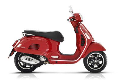 Vespa GTS Super 300 HPE E5 Rosso Passiono rood