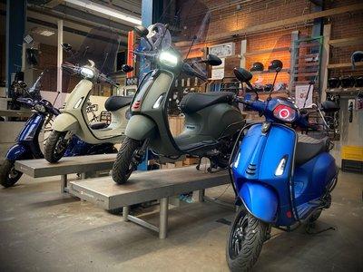 Vespa custom scooters. Ontwerp jouw eigen Vespa !