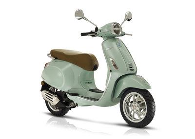 Vespa Primavera Verde Relax scooter E5 I-GET Nieuwe Editie