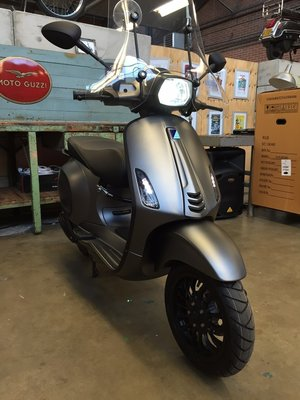 Vespa Sprint Frozen Dark Grey