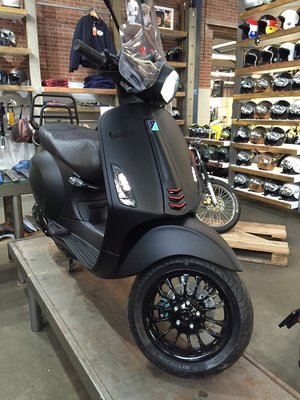 Vespa Sprint Black Bliss
