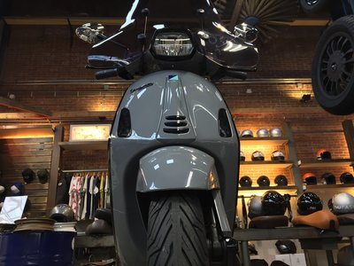Custom Vespa Sprint Audi Nardo Grey