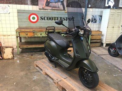 Vespa Sprint 125cc Militaire Verde