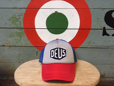 Deus ex Machina Bayland Trucker Pet