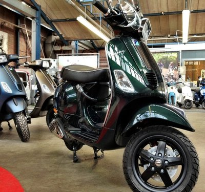 Vespa S Emerald Green