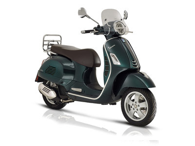 Vespa GTS Touring 300 HPE ABS Forest Green