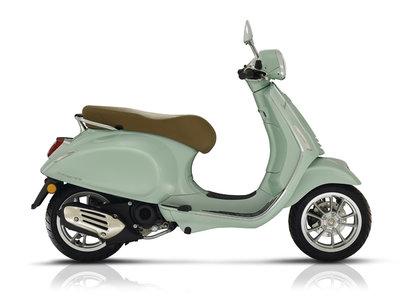 Vespa Primavera Verde Relax scooter E4 I-GET