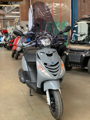 Custom Piaggio Zip SP Nardo Grey