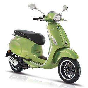 Vespa Sprint Verde met Groen