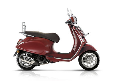 Vespa Primavera 125 Touring Rosso met Rood
