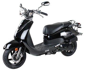 zwarte sym allo black scooter modeljaar 2014 nu 200. Black Bedroom Furniture Sets. Home Design Ideas