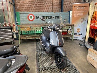 Vespa Sprint 125cc Grigio Titanio 2018