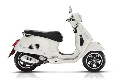 Vespa GTS Super 300 HPE E5 Bianco Innocenza Wit