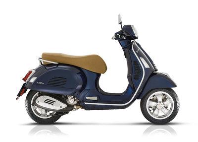 Vespa GTS 300 HPE E5 Energy Blue blauw