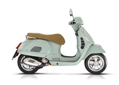 Vespa GTS 300 HPE E5 scooter Verde Relax groen